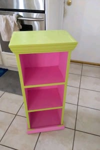 Green and pink solid wood shelf Bloomfield Hills, 48304