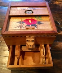 Antique wooden dog cigarette box Springfield, 22152