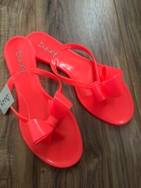 Ladies sandals- New w/ tag - Size 10! Chantilly, 20152