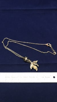 Goldfish necklace with chain