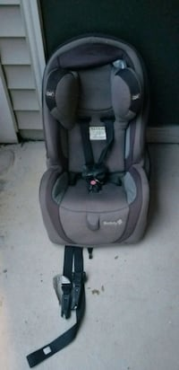 baby's gray and black car seat Chantilly, 20152