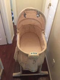 baby's white and gray bassinet Richmond Hill, L4C 1V4