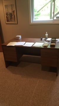 brown wooden single pedestal desk Fairfax, 22032