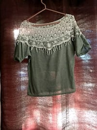 Soft grey cotton lace top sz M Coaldale, T1M
