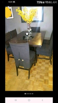 wooden square dining table    Toronto