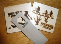 Stranger Things posavasos madera + REGALO