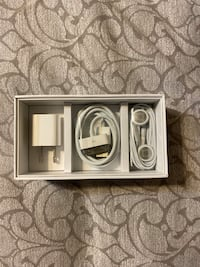 Genuine I-phone 4 accessories. Earphones with Remote and Mic; Dock Con