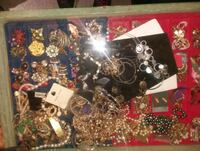 Asst.vintage and anquic jewelry  2108 mi