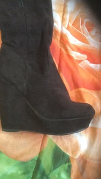 pair of black suede boots Empire, 95357