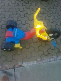 toddler's blue and yellow trike Calgary, T2E 5Z9