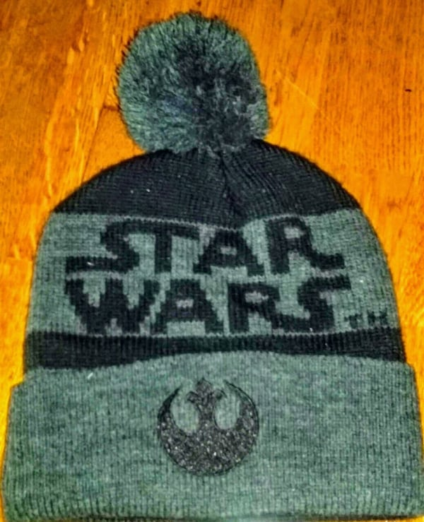 Star Wars Men's Knit Beanie - NEW 8a2e1ab2-254f-4e0e-abd2-e151bb7ca5a6
