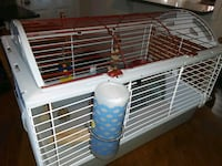 Guinea pig  cage comes with bowls and toys