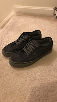 pair of gray-and-black Vans low top Fairfax, 22030