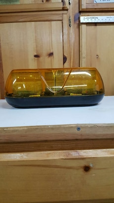 yellow and blue beacon light