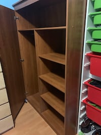 Brown wooden 5-layer shelf Vancouver, V5W