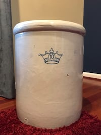 Antique 10 Gallon Crock Linganore, 21774