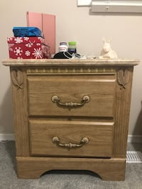 Bedroom dresser with matching nightbstand London, N6E 2A8