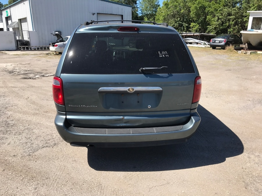 2005 chrysler town country with stow n go seating third row also in sarasota letgo. Black Bedroom Furniture Sets. Home Design Ideas