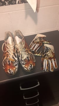Adidas Cleats size 14  Youngstown, 44515