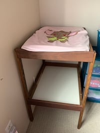 Baby changing table Laval, H7T 1K5