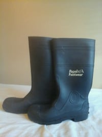Water proof work boats size 10 Baltimore, 21239