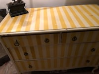 Old dresser like shabby chic style  Annandale, 22003