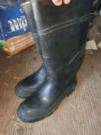 Rubber boots  Cornwall, K6H 3R9