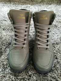 pair of grey leather snowboard boots Poughkeepsie, 12601
