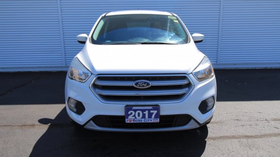 2017 Ford Escape SE / ACCIDENT FREE / BACK UP CAM / HEATED SEATS / c9f3a07d-2505-4d11-9fac-539c4545a22f