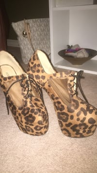 Just fab cheetah print heels, Size 8. Perfect condition  551 km