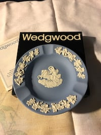 Round blue and white ceramic Wedgwood. original mail box never used