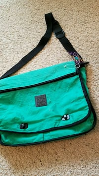 green and black leather crossbody bag Cypress, 77433