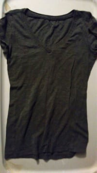 black and gray scoop neck long sleeve shirt Grand Rapids, 49504