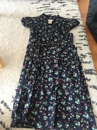 WOMEN'S FLORAL PRINT SUMMER DRESS - SIZE SMALL  Toronto, M1H 3K2