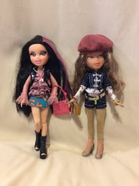 2 Bratz Dolls with extra clothing and accessories Barrie, L4N 5Y9
