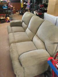 Couch with recliners on each end Columbia, 42728
