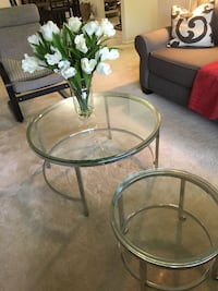 round glass top table with black metal base Rockville, 20852