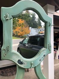 Entry room coat rack and mirror  Vancouver, 98685