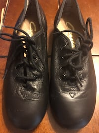 Black tap shoes size 6M 705 mi