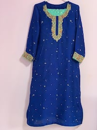 3piece heavy work rai silk dupata shirt and jamawar trouser once worn size large to xl Mississauga, L5V 1R4