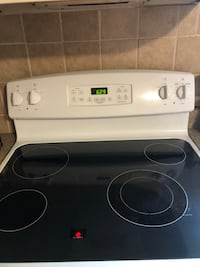 Electric range self clean oven