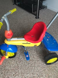 Toddler's blue and yellow trike Lincoln, 68508