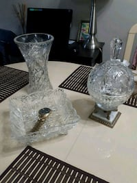 two clear glass candle holders Edmonton, T5P 0L1