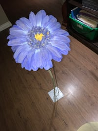 Fake flower with stand  Milton, L9T 5Z3
