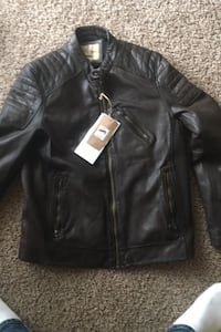 Jacket leather  Pikesville, 21208