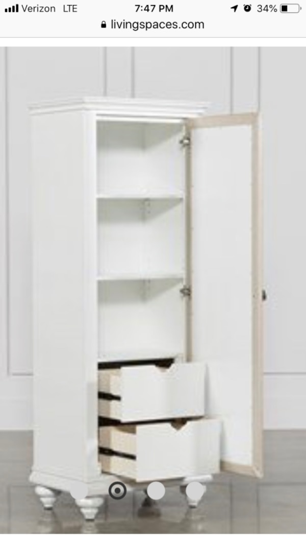 Armoire with mirror 9056636f-d6f6-4249-a237-9e5010adda1f