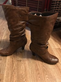 Pair of brown leather boots Las Vegas, 89108