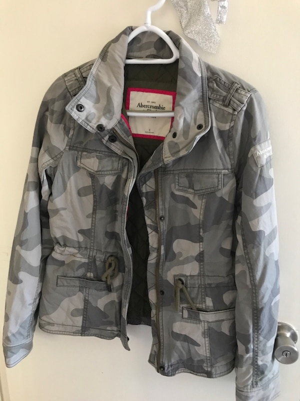 2ad36991621cd Used New without tag abercrombie and fitch camo quilted jacket for ...