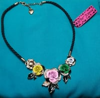 Betsey johnson flower Necklae Carney