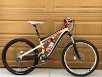 Specialized Camber Small size 26 wheels full suspension mountain bike